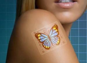 Electronic Tattoos votre corps connecté Electronic Tattoos est une invention originale présentée par la chinoise Lu Nanshu et ses collègues de l'université de Texas lors du forum NetExpo. Il s'agit un tatouage électronique, sous forme de patch à coller sur le corps, capable de mesurer de nombreux signes vitaux.