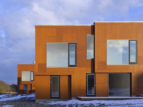 Utomhusplyfa (plywood) guldbrun  med luftspalt bakom, foto 1