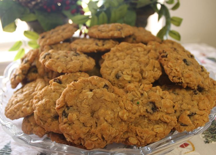 Chewy n Spicy Oatmeal Rasin Cookies