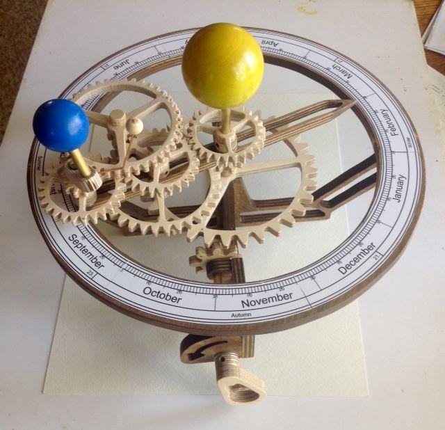 "Wooden Tellurion ""Tellurix"". Designed by Christopher Blasius. Plans available at holzmechanik.de"