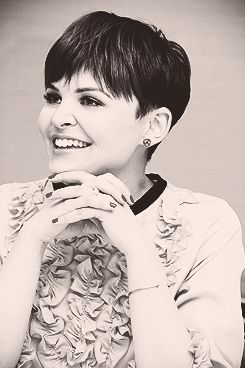 ginnifer goodwin.| I love her. and her hair.