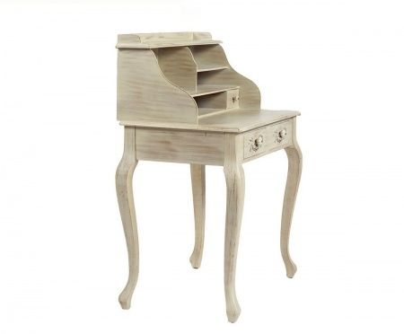 Письменный стол Julie – яркий представитель модного стиля «шебби-шик»: приятный нежный цвет, искусственная состаренность, уникальный дизайн. Выдвижные ящички и дополнительные полочки позволят вам хранить как важные документы, так и милые, дорогие сердцу безделушки. Благодаря небольшому размеру предмет мебели займет немного места, при этом привнеся в комнату дополнительный уют и очарование.             Материал: Дерево, МДФ.              Бренд: DG Home.              Стили: Прованс и кантри…