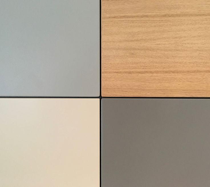 Nonoo-kasten kun je helemaal zelf samenstellen, waarbij je keuze hebt uit 12 basiskleuren en 3 houtsoorten.