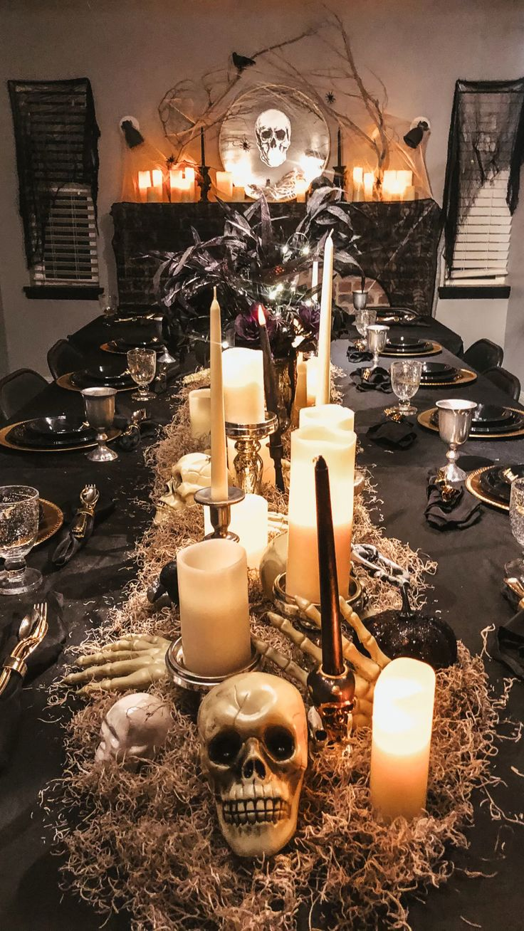 Classy Halloween, Adult Halloween Party, Halloween Dinner, Halloween 2020, Vintage Halloween, Fall Halloween, Haunted Halloween, Halloween Ideas, Halloween Costumes