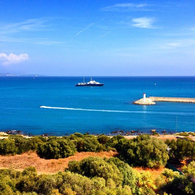 Antibes' harbour