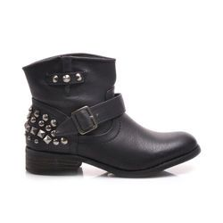 Workers with stud, decorative buckle, retractable Women's, comfortable WORKERY from the fall collection. Stylishly decorated with metal studs .. Slightly lifted tip. The shoes are slip. The wide shoe is interesting. Flat heel is comfortable.  https://cosmopolitus.eu/product-eng-43417-Workers-with-stud-decorative-buckle-retractable.html #Workery #universal #shank #autumn #fashion #comfortable #flat #cheap #sales #ankle