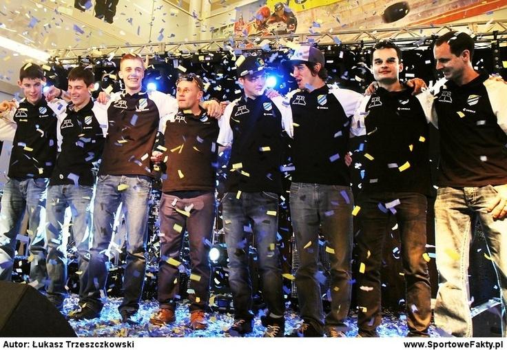 Prezentacja KST Unibax Toruń 2012   Presentation of Unibax Toruń 2012 speedway team