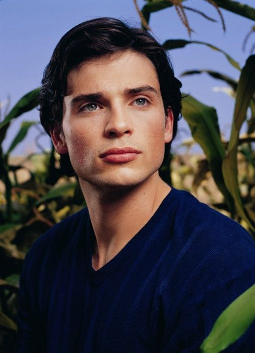 Smallville Season 1 Promo - Tom Welling as Clark Kent