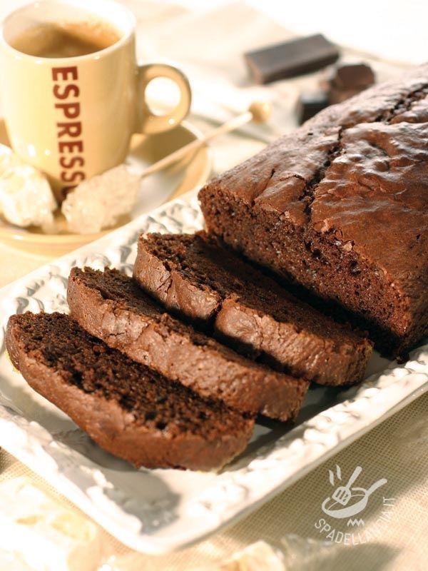 Plum cake with dark chocolate and coffee - Servite il vostro Plumcake al cioccolato fondente e caffè con una salsina alla vaniglia, della crema pasticcera o della panna montata!