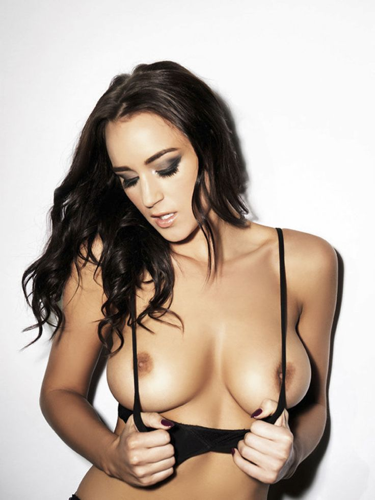This blog does exactly what it says on the tin. We post one picture of the sexy Rosie Jones every...