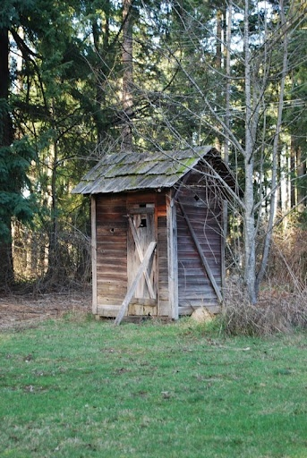 Outhouse on the Swalander farm!