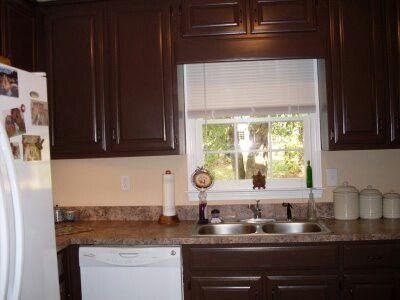 17 best images about kitchen ideas on pinterest islands for Dark brown kitchen walls