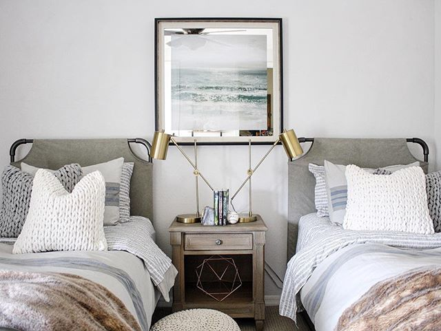 Time for a #followfriday and this week it's someone I've followed for a long time @randigarrettdesign She is honestly one of the loveliest, most generous people on IG. Her home is beautiful, her table settings always perfection  and how cool is her sons' bedroom makeover?!? Such a sophisticated, edgy and masculine space which looks like something out of a Restoration Hardware catalogue!!  Totally our style. You can see more over on her gorgeous feed!  #CottonwoodLoves #RandiGarrettDes...