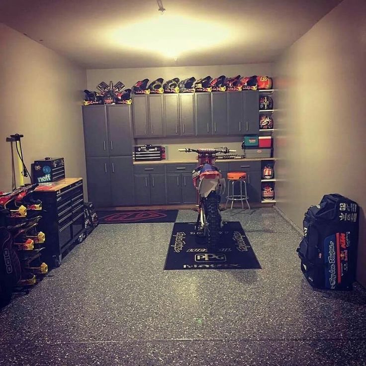 Jessy Nelson has His garage done correctly!