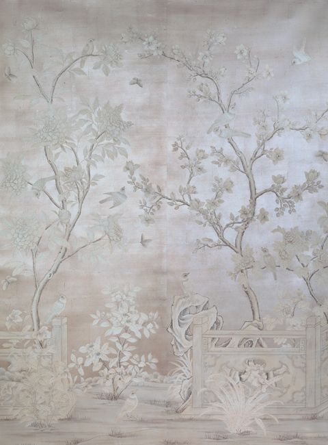 Who would have thought wallpaper could be so beautiful. Classic and chic.