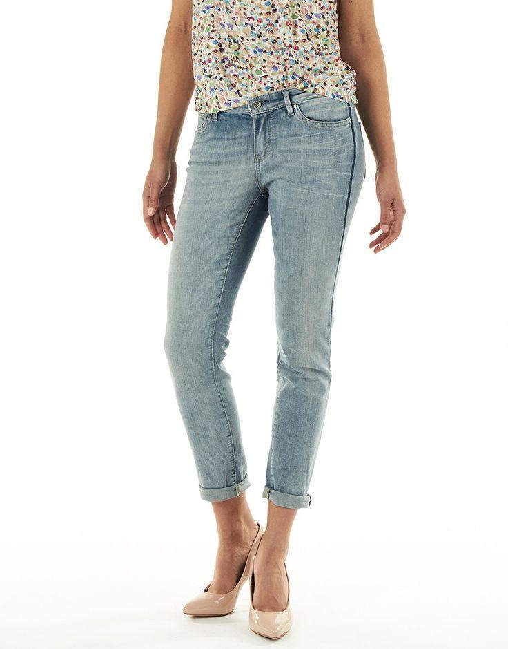 Koop Jeans - Amber 007 Slim Fit Girlfriend Blue Online op www.localsunited.nl voor slechts € 130,00. Vind 38 andere Rosner producten op www.localsunited.nl.