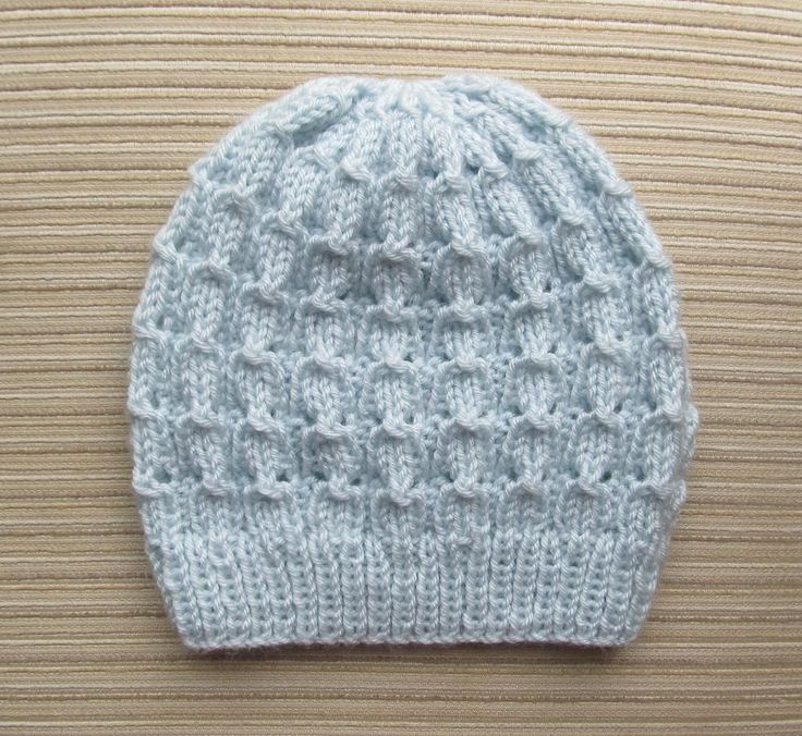 Here's a free knitting pattern you don't want to miss! Download the Hat in Bluebell Rib knitting pattern from Craftsy today.