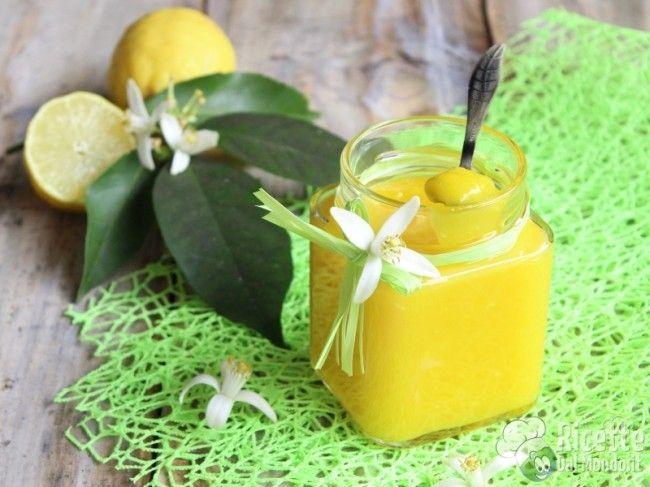 Lemon Curd Un intenso profumo di #limoni che vi incanterà! http://bit.ly/crema-lemon-curd