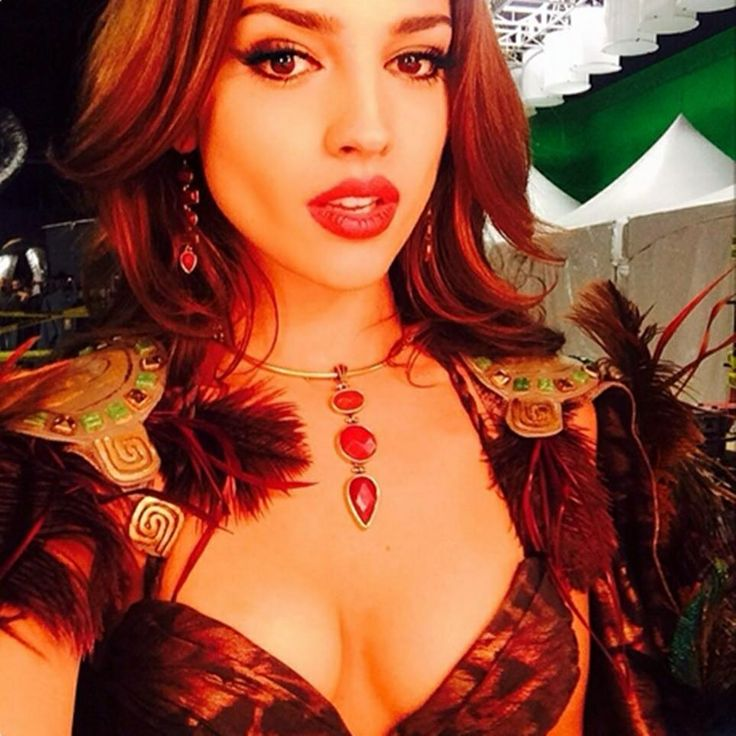 315 Best Images About Eiza Gonzalez On Pinterest