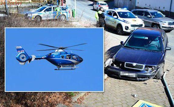 Policie při honičce střílela na ujíždějícího trestance: Pátrá po něm vrtulník