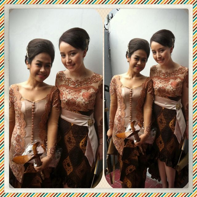 My friend and i wearing kebaya #kebayamodern