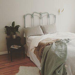 Minimalist Bedroom Ideas to Help You Get Comfortable * * * Men, DIY, Boho, Tumblr, Ideas, Small, Organization, Decor, Modern, Cozy, Rustic, White, Grey, Teen, Scandinavian, Color, Black, Apartment, Tips, Plants, Furniture, Closet, Kids, Storage, Bohemian, Gray, Ikea, Blue, Inspiration, College, Feminine, Dark, Design, Layout, Pink, Chic, Green, Simple, Wood, Art, Contemporary, Industrial, Vintage, Monochrome, Hipster, Budget, Desk, Carpet, Bed, Neutral, Dresser, Wall, Paint, How, Checklist…