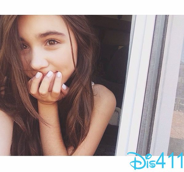 Photo Super Cute Selfie From Rowan Blanchard July 7, 2014 -6457