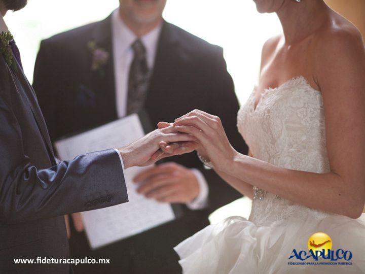 https://flic.kr/p/PakoKs | Hotel Copacabana, el lugar ideal para hacer tu boda en Acapulco. BODA EN ACAPULCO 1 | #bodaenacapulco Hotel Copacabana, el lugar ideal para hacer tu boda en Acapulco. BODA EN ACAPULCO. Uno de los mejores hoteles de Acapulco es el Copacabana, el cual cuenta con espacio frente a la playa para que celebres tu boda o si prefieres un lugar techado, la puedes realizar dentro de su centro de congresos que tiene una capacidad de 10 a 800 comensales. Visita la página…