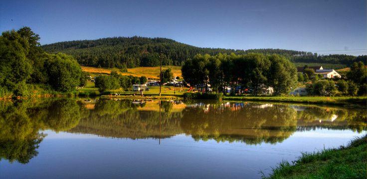 Krijg met de foto's van Camping Chvalsiny in Tsjechie een goede indruk van de camping, omgeving, activiteiten, faciliteiten en het restaurant.