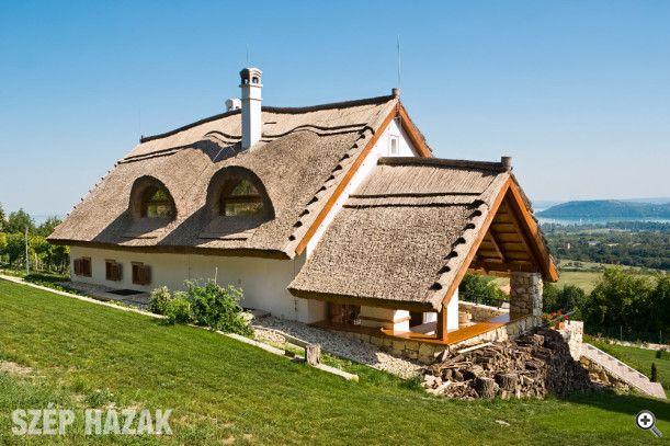 Balaton-felvidéki hagyományok - Szép Házak