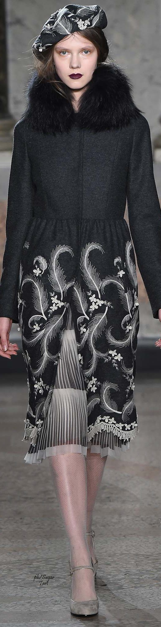 Luisa Beccaria.             Fall 2015.               Ready-To-Wear.