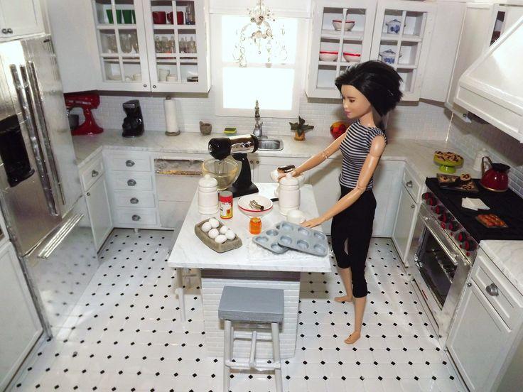 Barbie kitchen 2 Barbie making muffins 1/6 scale miniatures