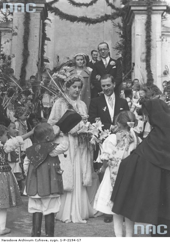 Ślub hrabiego Benedykta Tyszkiewicza z księżniczką Eleonorą Radziwłł, Morawica k. Krakowa , 1938