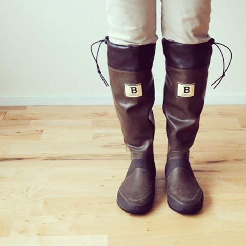 雨の日だってお洒落を楽しみたい Bマークが目印の日本野鳥の会の長靴