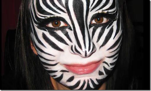 Maquillaje de cebra en la cara - Disfraz casero