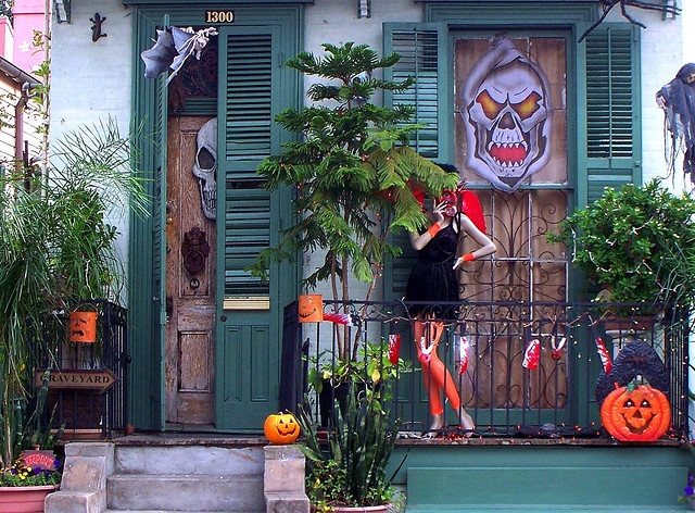 23 best images about halloween in new orleans on pinterest mansions lawn ornaments and anne rice. Black Bedroom Furniture Sets. Home Design Ideas