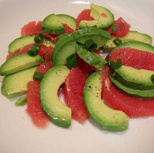 Салат из авокадо грейпфрута сыра