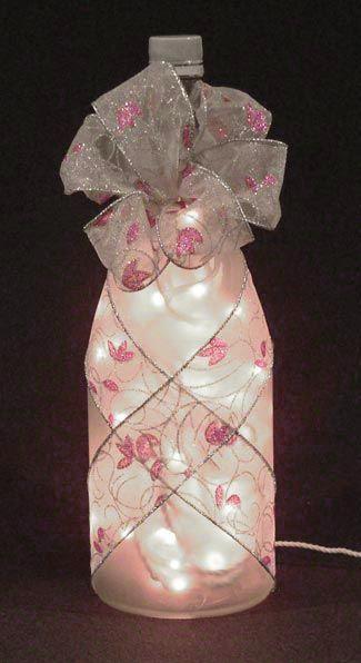 artesanías de botellas de vino con las luces    Una luz Botella interesante hecho de una botella de vino claro, envuelto ...: