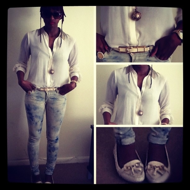 White gold collar blouse. Guess jeans. Gold detailed pumps.