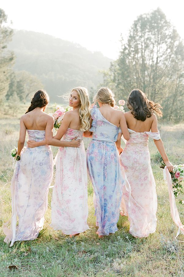 Might be a little too bohemian for me but it's a really pretty concept -- Bridesmaids #wedding #bridesmaids