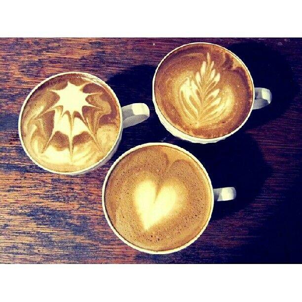 Karya seni tukang kopi kafein