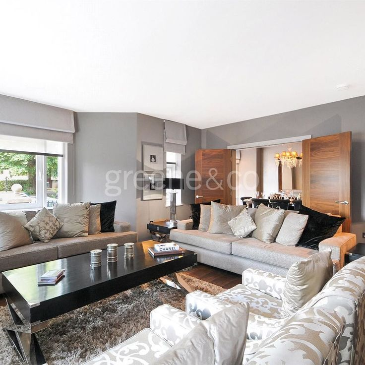 This luxuriously designed three bedroom apartment set within a recently refurbished mansion block in the heart of features a steam/shower room and a north facing private balcony. St Johns Wood features a steam/shower room and a north facing private balcony. #Rent #London #NW8 #realestate #StJohnsWood #mansionblock #apartment #luxury #luxuryhome #home #interiordesign #balcony #loungeroom #livingroom #lounge #bespoke