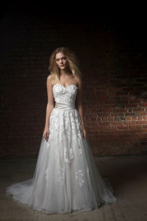 Strapless Princess/Ball Gown Wedding Dress with Natural Waist in Tulle. Bridal Gown Style Number:33084856