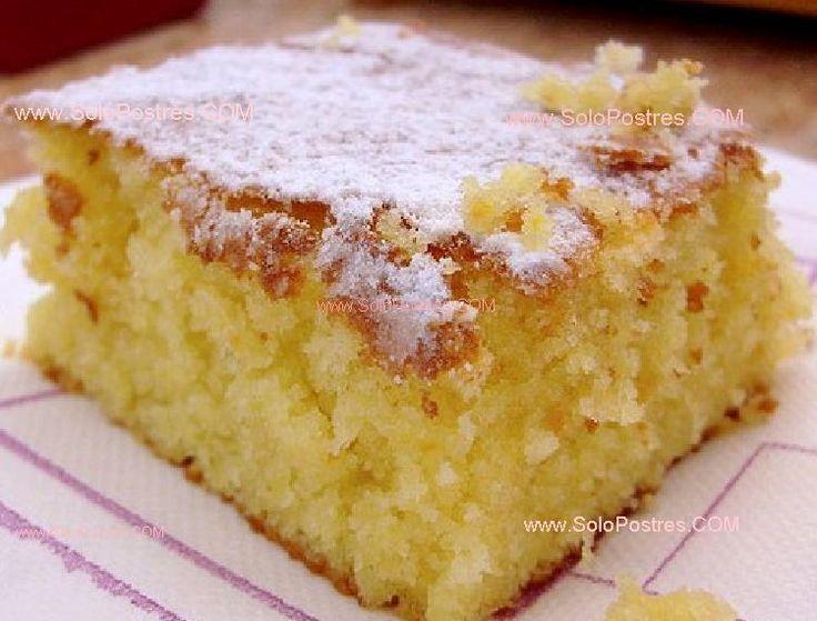 Torta de Naranja: Una vez cocida, se baña con almibar de naranja, dejándola bien humeda. Excelente para servirla como postre.