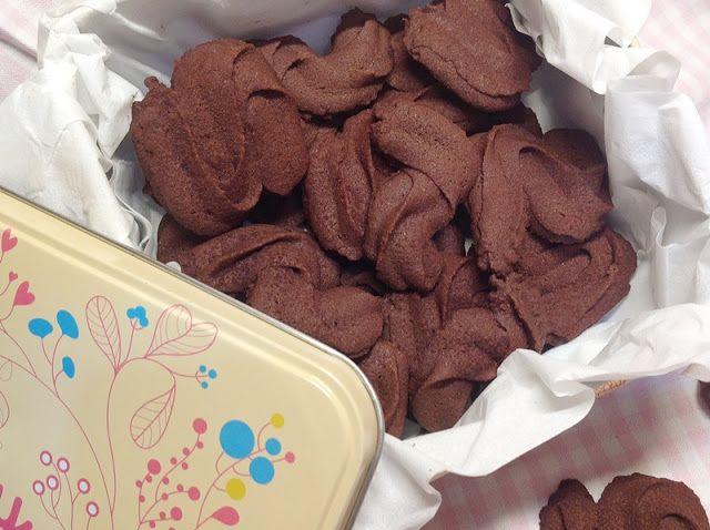VÍKENDOVÉ PEČENÍ: Křehké kakaové sušenky