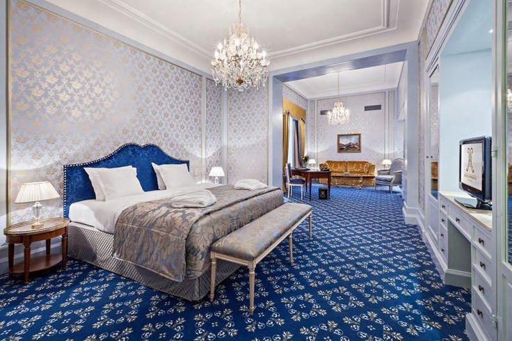 - Hotel Metropole - De foto spreekt voor zich! Hier moet je gewoon geslapen hebben aangezien de slaapkamers en zitkamers niet gescheiden zijn van elkaar.