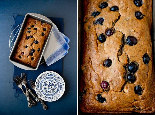 Vegan Blueberry Banana Bread by @Oh My Veggies | #vegan #blueberry #blueberries #banana #bread #breakfast #dessert #noeggs