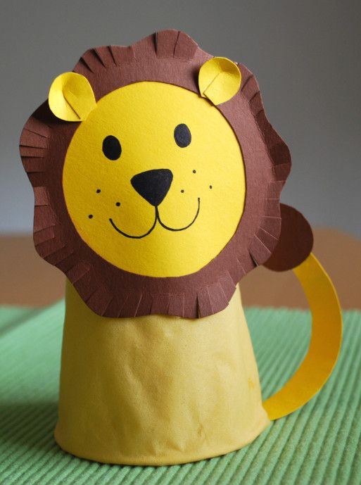 Löwe aus Pappbecher - Kinderspiele-Welt.de