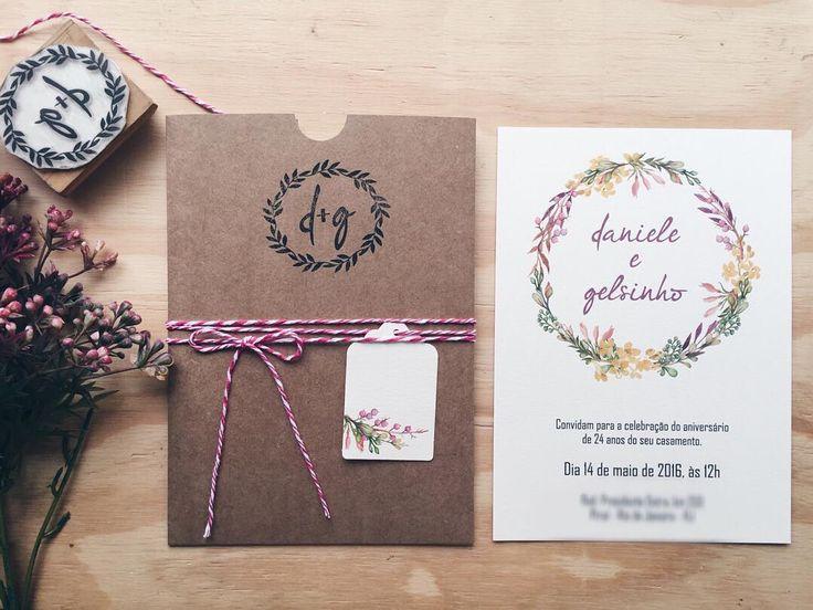 orientação retrato / lacinho com linha e tag acoplada Carimbo com monograma Envelope costurado