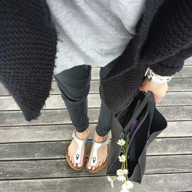 #mulpix Birkenstock Gizeh silver sandals @birkenstockdanmark @vernonsport  #birkenstock  #birkenstocks  #sandals  #fashion  #outfit  #style  #sandaler  #mode